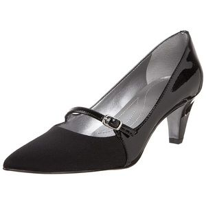 Tahari Women's Melanie Mary Jane Pump